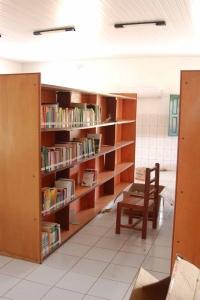 Die Bibliothek der Fundação Asas